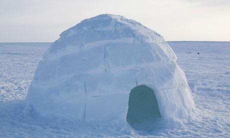 Igloo-in-Nunavut-Canada_alamy.jpg